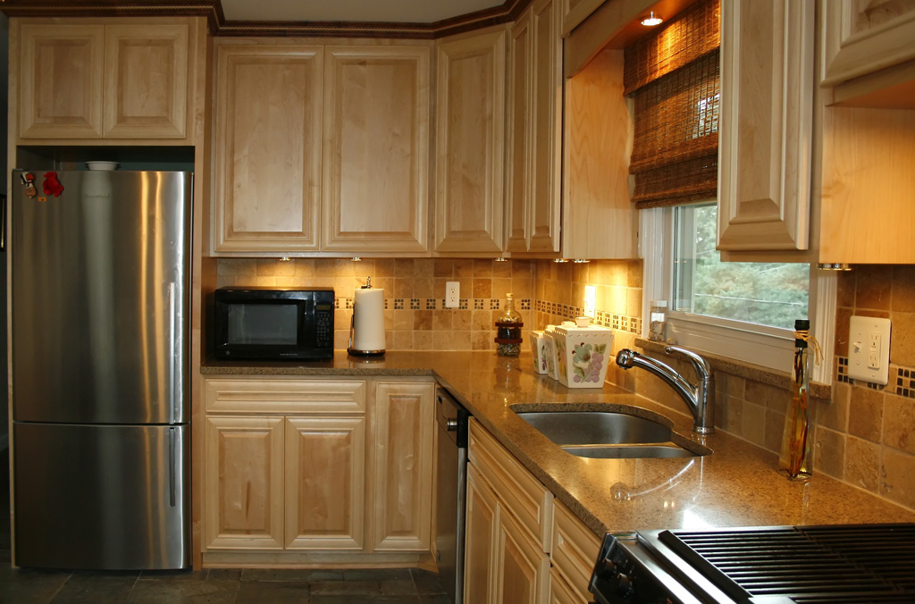 Kitchen Remodel   St Louis Kitchen Cabinets Kitchen Remodeling   Natural  Maple Kitchen Cabinets