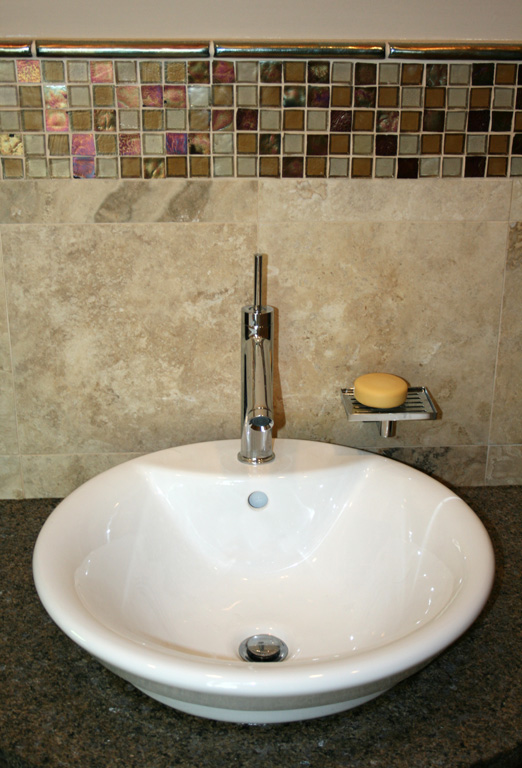 glass mosaic accent over vanity - Bathroom Designs With Mosaic Tiles