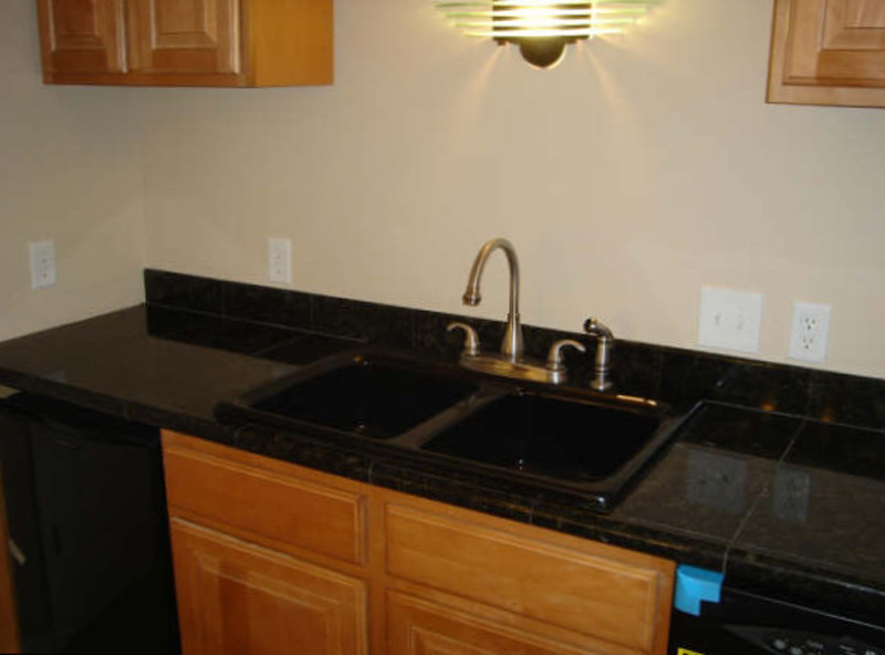 Etonnant Granite Kitchen Countertop. Black Granite Tile With